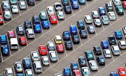 Improponibili i centri commerciali con i parcheggi senza alberi con temperature di 40 gradi!