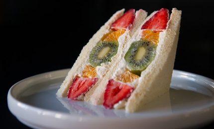 """La storia del """"furutsu sando"""", giapponesizzazione del fruit sandwich"""