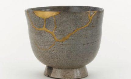 ll kintsugi, ovvero l'arte giapponese di impreziosire ed esaltare gli oggetti che hanno subito danni