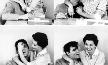 Anno 1958, due leggende che si abbracciano: Elvis Presley e Sophia Loren