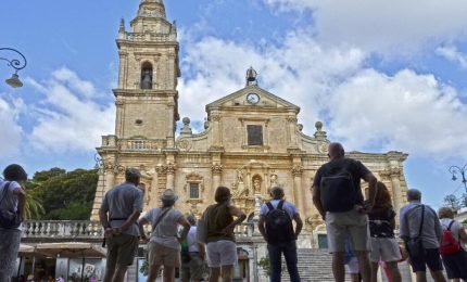 Sicilia prima per turisti e prima per 'bordelli Covid'. Dal 15 Ottobre in poi Green pass anche per i turisti o 'brunellata'?
