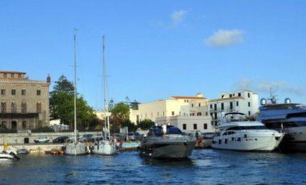 Quando c'era la Siremar i pontili funzionavano, con i monopolisti del mare 'trantulianu', vedi Favignana...